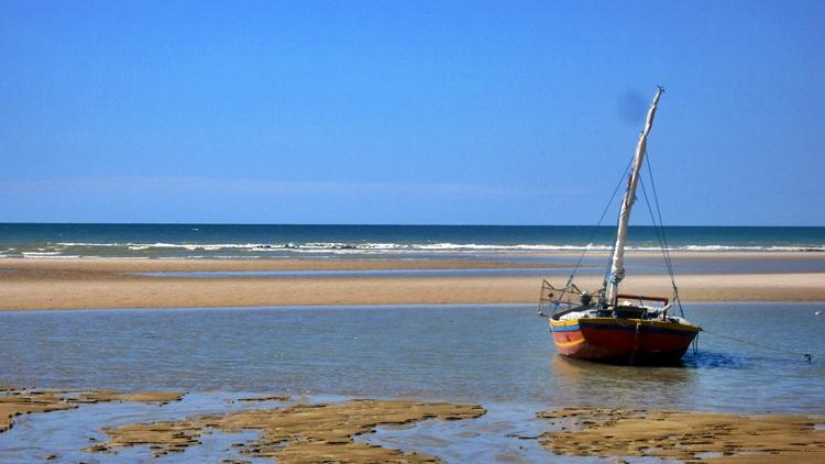 Jangada na praia de Canoa Quebrada